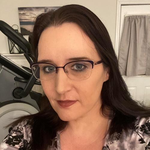 Julie's Profile Picture